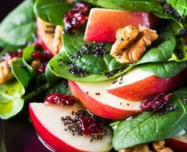 Est-ce que c'est bon de manger de la salade le soir ?