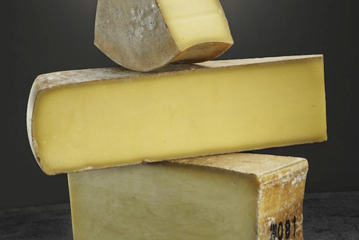 Est-ce que manger du fromage fait grossir ?