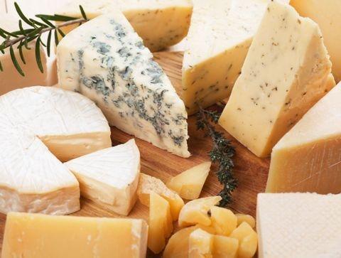 Quelle différence entre fromage au lait cru et pasteurisé ?